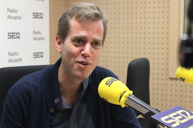 Claudio Reig, autor de 'El espía que burló a Moscú', durante una entrevista en la radio.