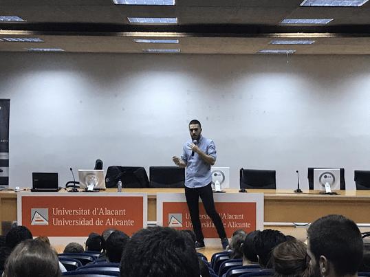 iDay, el evento solidario de marketing digital en Alicante